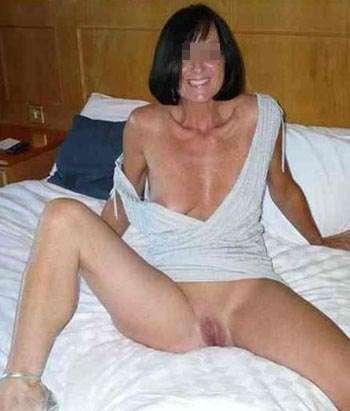 Jolie femme chaude à Paris